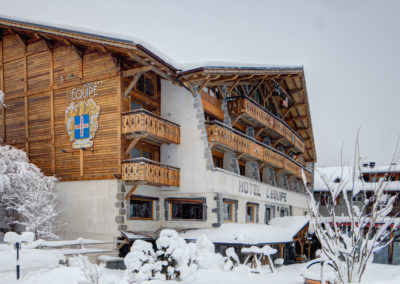 01_facade_hotel_equipe_hiver